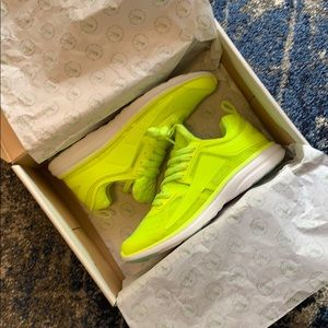 APL Prism Running Shoe NWT